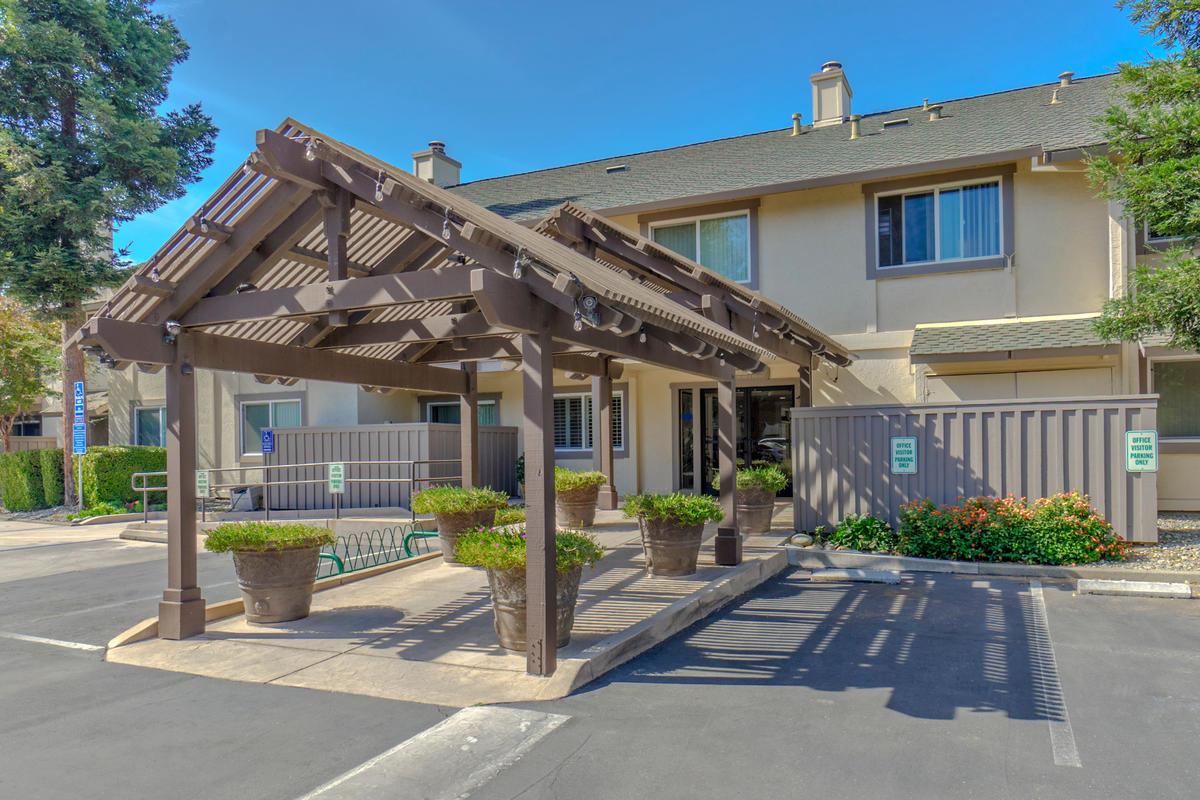 The Trees Apartments | Davis, CA